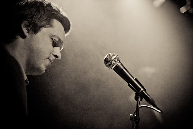 Teitur på Debaser. Foto: Oscar Berggren