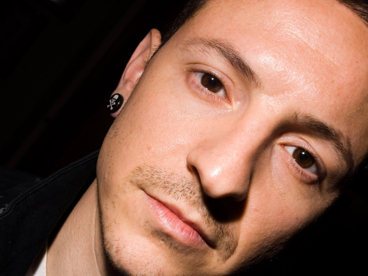 Linkin-Park-Chester-Bennington-003