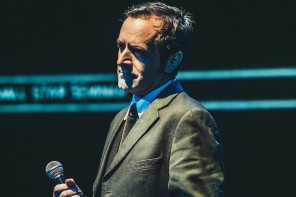 Mångsysslaren Cory Mcabee utforskar det amerikanska psyket