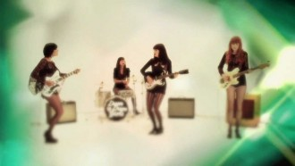 """Bedroom Eyes"" – Dum Dum Girls"