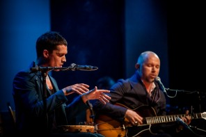 Tomas Andersson Wij & Jonathan Johansson spelar på Scalateatern i Stockholm, 20150930. Foto Niklas Axelsson/Rockfoto.