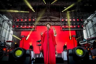 150704, Roskilde. Seinabo Sey spelar på Apollo under Roskildefestivalen. Foto: Nora Lorek / Rockfoto