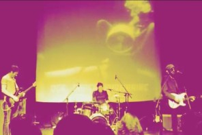"VIDEOPREMIÄR: Dog, Paper, Submarine – ""View From The Sidewalk"""