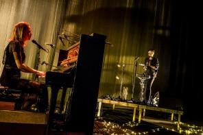 2016-12-10. Frida Hyvönen spelar på Väven i Umeå. Foto: Herman Dahlgren/Rockfoto. Källa: Rockfoto Bildbyrå AB