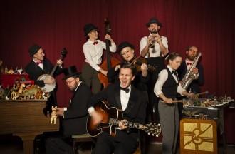 Full band 1 (Photo - Camilla Topuntoli)