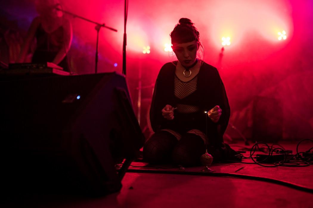 20170825 Kaelan Mikla spelar på Kalabalik på Tyrolen, Blädinge Foto: Niklas Gustavsson, Rockfoto.nu